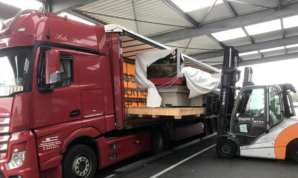 Druckmaschinen-Transporte empfindliche Maschinentransporte Spedition-Schiffers