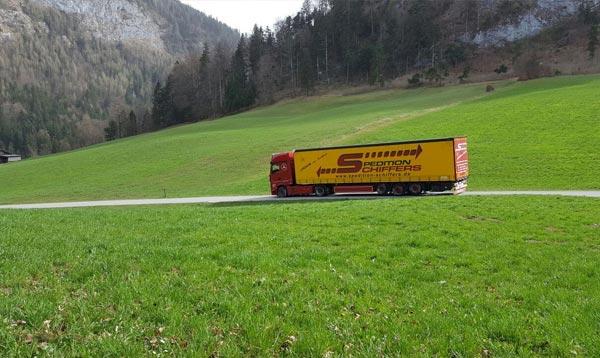 Langguttransporte auf Tour Spedition-Schiffers