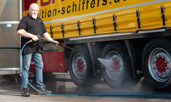 Gepflegte Fahrzeuge Spedition Schiffers in Mönchengladbach